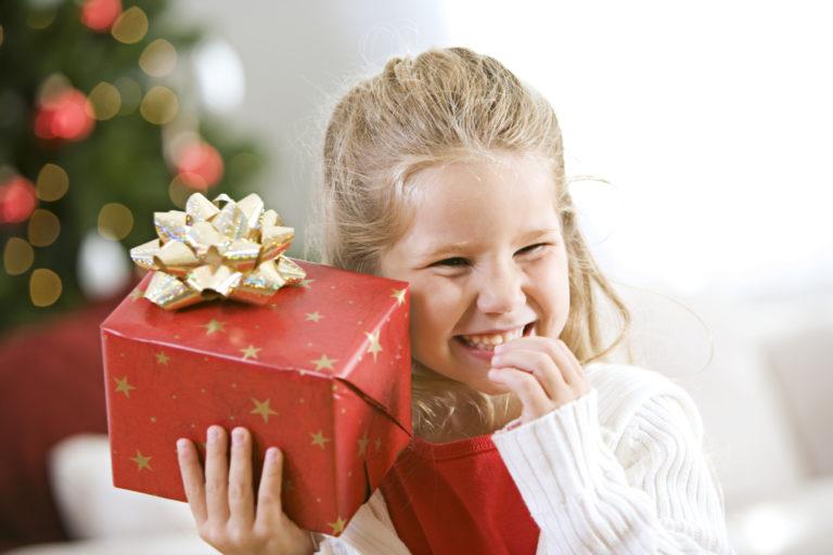Детям дарят дорогие подарки 64